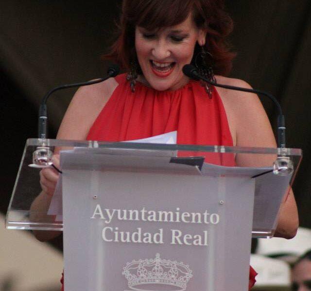 gemma-bustarviejo-presentadora-AYUNTAMIENTO CIUDAD REAL